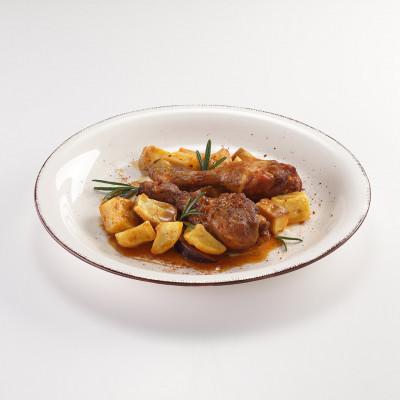 Fusi di pollo con paprika dolce e patate